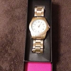 New Avon Men's Quartz Watch